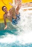 Divertimento do verão no waterpark Fotos de Stock Royalty Free