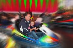 Divertimento em carros abundantes na feira Fotos de Stock Royalty Free