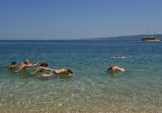 Divertimento na praia 1 Fotografia de Stock Royalty Free