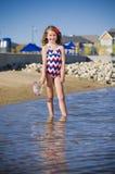 Divertimento na vizinhança do lago Fotos de Stock Royalty Free
