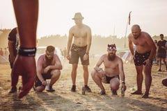 Divertiresi degli ospiti di festival rock di Woodstock Polonia fotografia stock