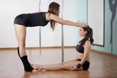 Divertiresi degli studenti di forma fisica di Palo Fotografia Stock