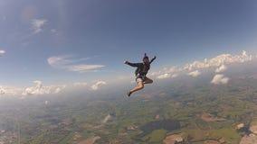 Divertiresi disastroso del paracadutista stock footage