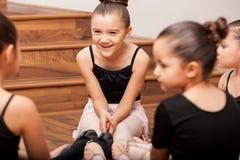 Divertirse durante clase de danza Foto de archivo