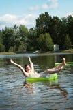 Divertirse en agua Foto de archivo