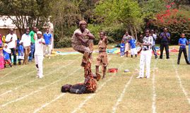 Divertissement d'acrobates à Nairobi Kenya Photo stock