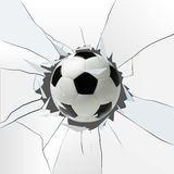 Diviértase el ejemplo del vector con el balón de fútbol que viene en vidrio agrietado Fotografía de archivo libre de regalías