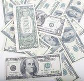 Divida il fondo in lotti dei contanti dei dollari degli americani delle FO, diversi soldi universalmente immagine stock libera da diritti