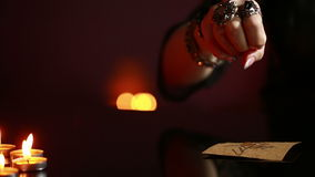 Divination ρούνοι τελετουργικός μαύρος μαγικός απόθεμα βίντεο