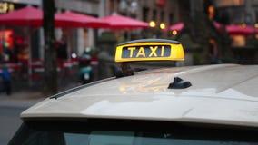 Divisa del taxi almacen de metraje de vídeo