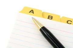 Diviseur et crayon lecteur jaunes de fichier images stock