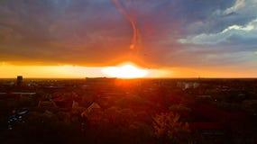 Division stupéfiante de coucher du soleil images libres de droits