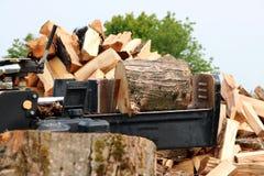 Divisor y montón de madera de la madera fotografía de archivo