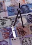 Divisore sulle note di valute estere Immagini Stock Libere da Diritti