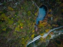 Divje Jezero ou lac sauvage, phénomène géologique en Slovénie photo libre de droits