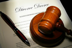 Divorce papers. And pen with judge's legal gavel Royalty Free Stock Images