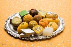 diwali节日或婚礼的,选择聚焦印地安甜点 免版税库存照片