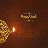 Diwali feliz, Diseño de la tarjeta de felicitación para el festival con las lámparas ornamentales hermosas, llama de Diwali de un