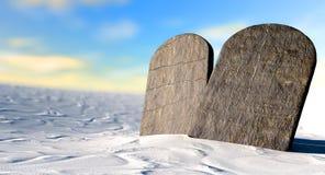 Dix commandements se tenant dans le désert Photo libre de droits