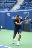 Dix-neuf champions Roger Federer de Grand Chelem de périodes de la Suisse pratiquent pour l'US Open 2017 Photos libres de droits