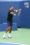 Dix-neuf champions Roger Federer de Grand Chelem de périodes de la Suisse pratiquent pour l'US Open 2017 Photos stock