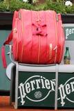 Dix-neuf champions Serena Willams de Grand Chelem de périodes ont personnalisé le sac de tennis de Wilson chez Roland Garros image stock