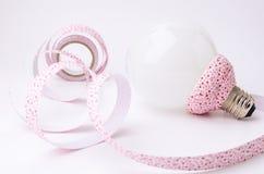 DIY丝带和灯为在家装饰 免版税库存照片
