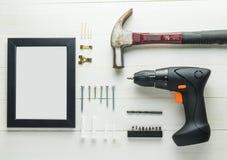 DIY回家装饰设置与螺丝刀锤子 图库摄影