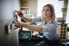 DIY in de Keuken stock afbeeldingen