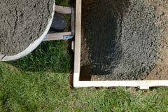 DIY dirigem o close up concreto do projeto com cimento molhado Imagem de Stock Royalty Free
