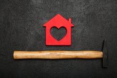 DIY domu pojęcie, cieśla konstrukcji dom zdjęcia stock