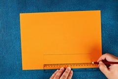 Diy Halloween papieru bransoletki bania na czarnym tle Prezenta pomys?, wystr?j Halloween fotografia royalty free