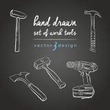 DIY Hilfsmittel Werkzeug-Reparatur-Ikonen für Arbeit Vektorsatz von Hand gezeichnete Instrumente auf der Tafel stock abbildung