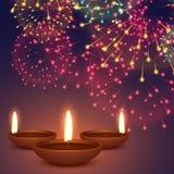 Diya de Diwali con el ejemplo del fondo de los fuegos artificiales