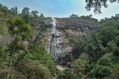 Diyaluma瀑布在斯里兰卡 免版税图库摄影