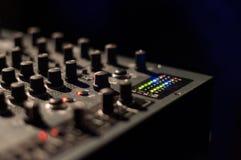 DJ搅拌机按钮 免版税库存照片
