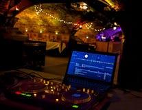 DJ音乐系统设备 室内党娱乐地点 免版税库存图片