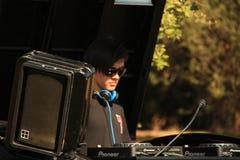 DJ в футбольном поле рэгби 7 стоковое изображение
