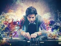 DJ играя музыку стоковое изображение
