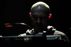 DJ从柏林,德国的保罗Kalkbrenner执行活在阶段 免版税库存图片