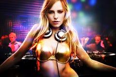 όμορφο κορίτσι του DJ Στοκ φωτογραφίες με δικαίωμα ελεύθερης χρήσης