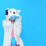 女孩DJ 疯狂的冬天党 俱乐部舞蹈样式 库存照片
