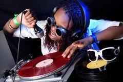 DJ in actie stock afbeelding