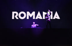 Dj Afrojack miesza na scenie Zdjęcie Royalty Free