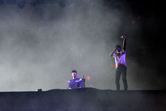 Dj Afrojack miesza na scenie Obraz Royalty Free