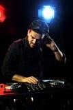 DJ bawić się muzykę Fotografia Stock