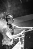 DJ Eddie Halliwell se realiza en el festival urbano de la onda el 16 de abril de 2011 en Minsk, Bielorrusia Imagen de archivo libre de regalías