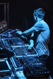 DJ Eddie Halliwell wykonuje przy Miastowym Falowym festiwalem na Kwietniu 16, 2011 w Minsk, Białoruś Obraz Royalty Free