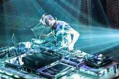DJ Eddie Halliwell wykonuje przy Miastowym Falowym festiwalem na Kwietniu 16, 2011 w Minsk, Białoruś Zdjęcie Royalty Free