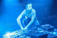 DJ Eddie Halliwell wykonuje przy Miastowym Falowym festiwalem na Kwietniu 16, 2011 w Minsk, Białoruś Zdjęcia Stock